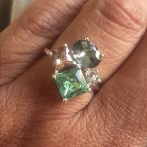 Jewelry - NEW Multi colored stone cluster fashion ring.